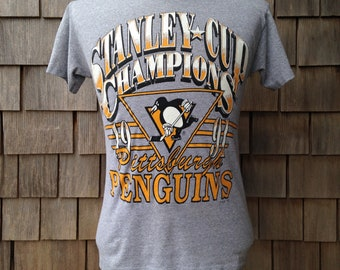 90s vintage Pittsburgh Penguins 1991 Stanley Cup Champions T shirt - Small - Logo 7 - champs