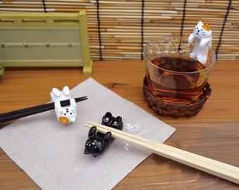 Kawaii Lying Japanese Calico and Black Cat Chopstick Rests: Ceramic chopstick holder, Cutlery Rests, Tableware Pottery/Porcelain