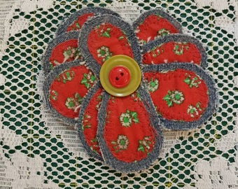 Upcycled Floral Fabric Brooch