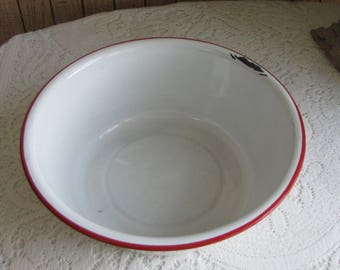 Enamel Bowl White with Red Trim Enamelware Vintage Farmhouse Rustic Kitchens and Gardens Enamelware