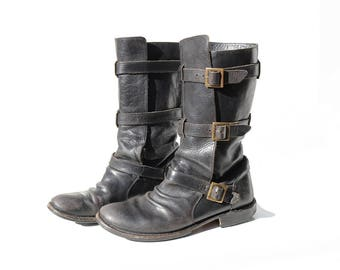 Vintage Women's Black Leather Mid Calf Boots / size 9