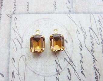 Vintage Swarovski Rhinestone Jewel Drop 10x8mm Glass Rhinestone in Brass Prong Setting Light Topaz(2)