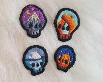 Made to order - set of 4 tiny skulls skulls (I)