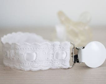 Newborn girl pacifier clip, Pacifier holder, Dummy clip, White English Embroidery, Baby Girl Gift, Binky Clips, Paci Clip, Baby Shower Gift