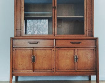 Drexel vintage china sideboard hutcg Meridian 1964  storage cabinet dining