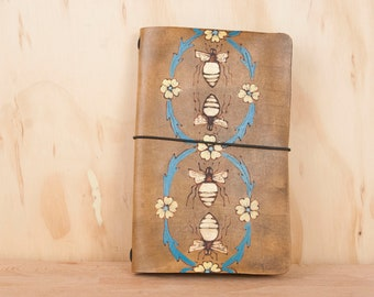Housse de balle Journal - cuir carnet les voyageurs - abeilles & fleurs - Hobonichi, Midori, leuchtturm1917, Moleskine A5, A6, A4, B5