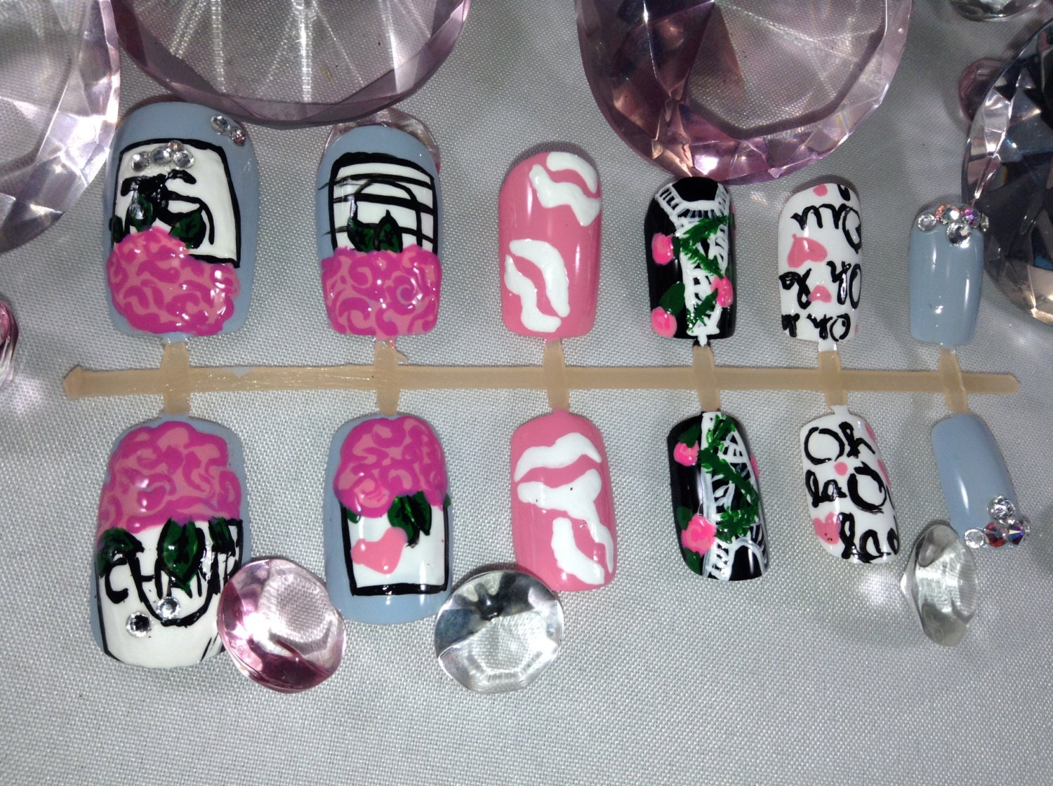 press on nails, fake nails, false nails, short nails, nail art, pink ...