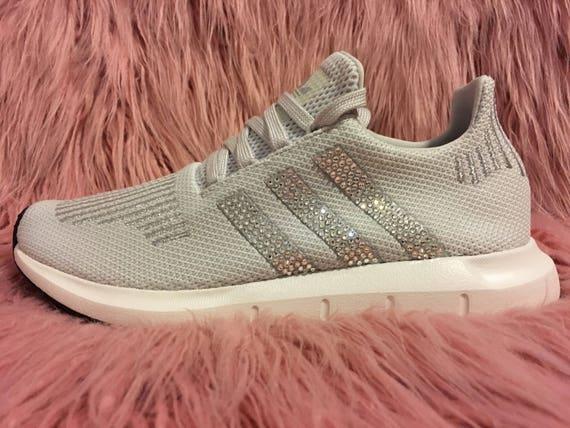 donne adidas swift in grigio con accenti d'argento