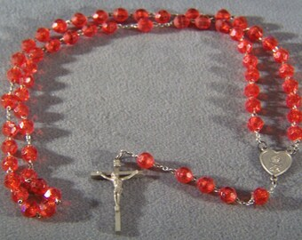 Vintage rare ruby red bold Round faceted Lucite bead rosary Cross     W