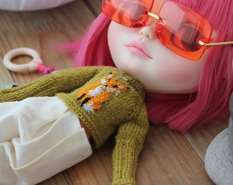 Availible knit blythe doll sweater