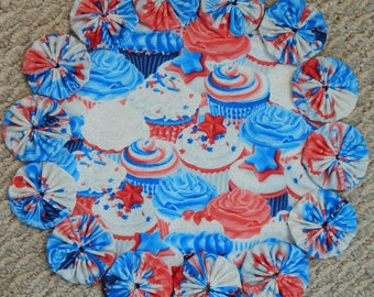 """Yummy Red, White and Blue Cupcakes Yo Yo Doily - 12"""""""