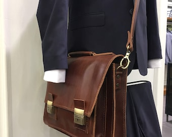 Elegant handmade manbag,italian leather, classic brown,notebook tablet fit,macbook air13 fit,office style,vintage finish, crossbody bag