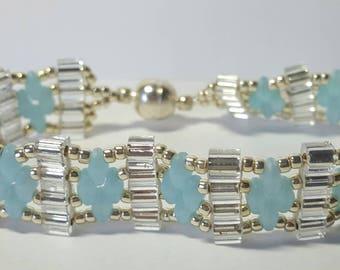 Blue/silver beaded bracelet