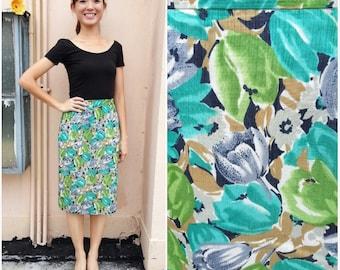CLEARANCE SALE/ Vintage Skirt/ GreenTulip Skirt/ Medium Skirt/ Small Skirt/ Midi Skirt/ Green Skirt/ Polyester Skirt/ Pencil Skirt/ Floral