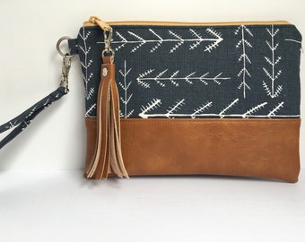 "Wristlet iPhone Plus Wristlet Clutch, Smart Phone Bag, Southwest Navy Arrow Tribal Print with Faux Leather Base 9""x6""  (ready to ship)"