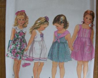 Simplicity 8390, Girls Dress,
