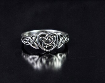 Sterling Silver Ring of a Celtic Heart