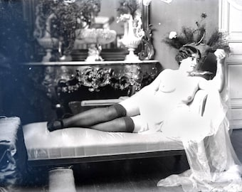 vintage photo Print Artist Model French Model Reclining Nude w Beads 1900