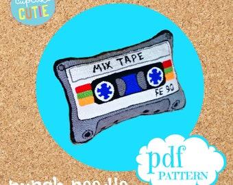 Mixtape punch needle pillow pattern. Cassette tape cushion pdf. Retro eighties.