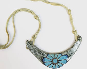 Vintage Stoneware Necklace // Ceramic Necklace // Handmade VTG Necklace
