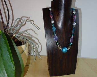 Brown wooden stand jewelry holder necklaces necklaces bust, wearing necklaces, mother's day, support jewelry, women jewelry gift