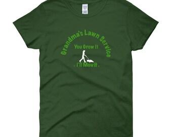 Gardener, Gift for Gardener, Gardening Gift for her, Garden Gifts, Gifts for Grandma, T-shirt for Grandma, Gardening gift