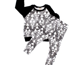 Stacked Triangles Sweatshirt and Leggings Set, Triangles Sweater, Baby Gray Sweater, Grey Sweatshirt, Triangles Leggings and Sweatshirt