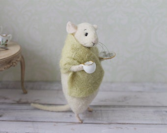 Needle felted mouse, Mouse with cup, Felt mouse, White mouse, Needle felt animal, Needle felt miniature, Birthday gift
