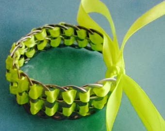 Bracelet capsules of cans and fancy jewelry Neon Green Ribbon