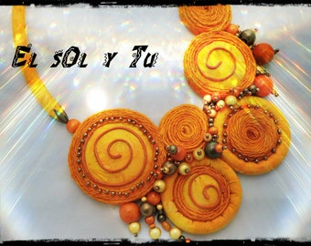 "SOLD - collier ""El sol y you""-Version ""couture"" - batik in shades of yellow fabric - magic beads, wood and metal"