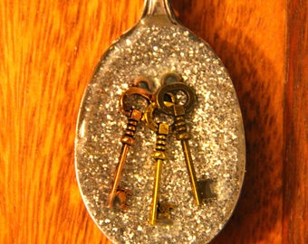 Silverplate Spoon Pendant with keys in resin