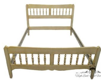 ETHAN ALLEN Antique White Full Size Spindel Bed