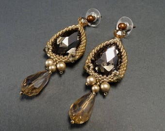Dangle Earrings//Gray//Beige//Pear-shaped//Studs//Crystal//Pearl//Free Shipping