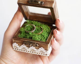 Rustic Wedding Ring Box With Moss - Glass Box, Ring Bearer Box, Wooden Wedding Box, Ring Pillow Alternative, Box With Glass-Like Acrylic Top