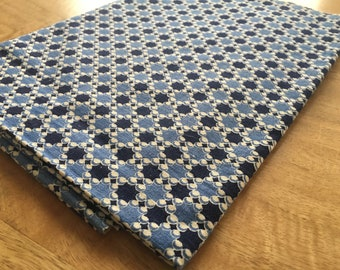 Vintage Feedsack Fabric. Blue Geometric. Coarse. 1940s