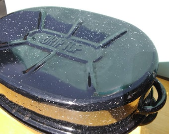 """Vintage Driptop blue speckle enamelware roasting pan with lid. 12"""" long. Excellent useable condition."""