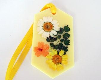 Wax tablet, Daisy wax sachet, floral air freshener sachet, dried flowers, botanical sachet, daisy flower decor, summer decor, yellow sachet