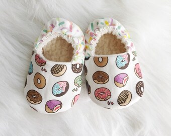 SALE!! donut shoes, newborn shoes, Toddler shoes, moccs, soft soled shoes, crib shoes, baby shoes, vegan baby, organic moccs, baby moccs,
