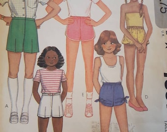 McCall's 7561, Girl's Shorts Sewing Pattern