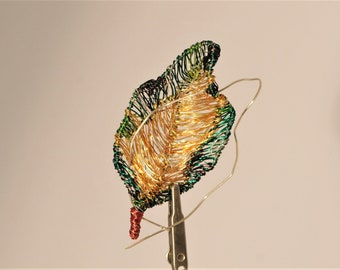 Leaf brooch, green leaves jewelry, green gold, wire sculpture art, Christmas gift women, Autumn, large brooch, modern hippie, plant jewelry