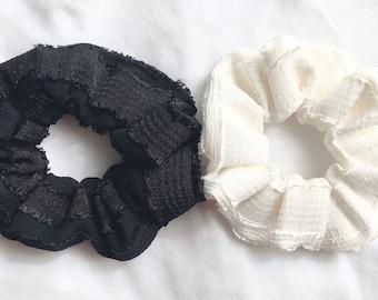 Black and White Scrunchie Set