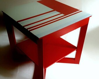 """table for suprematists """"Rood"""" ET8"""
