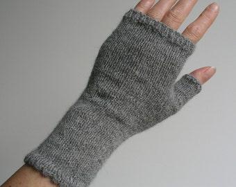 Grey alpaca fingerless gloves / wrist warmers