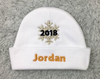 Personalized baby hat with 2018 snowflake - January baby gift, New Years Eve baby hat, newborn pictures, preemie new year hat, 2018 baby hat