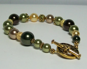 Autumn Leaves Bracelet. Swarovski Pearls and Crystals. Green and Gold Bracelet.