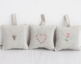 Lavender sachet, lavender bag, set of 3, hanging fragrance, natural lavender, wedding favor, organizc home decor