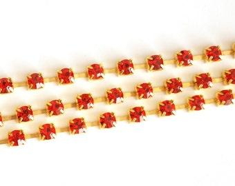 1 mt- Matte Gold Plated Rhinestone Chain-4x4mm (013-014GP)
