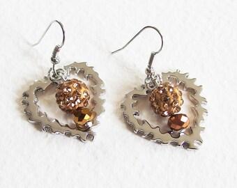 Boucles d'Oreilles - Deux Coeurs Lumineux - Perles Shamballa, Cristal Swarovski, métal argenté - Bijou créateur, pièce unique