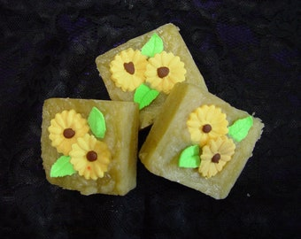 Hand made natural clover aloe daisy soap. Treat your self or some one  to a special soap
