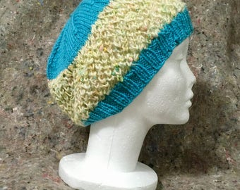 Wool hat in turquoise and confetti lace